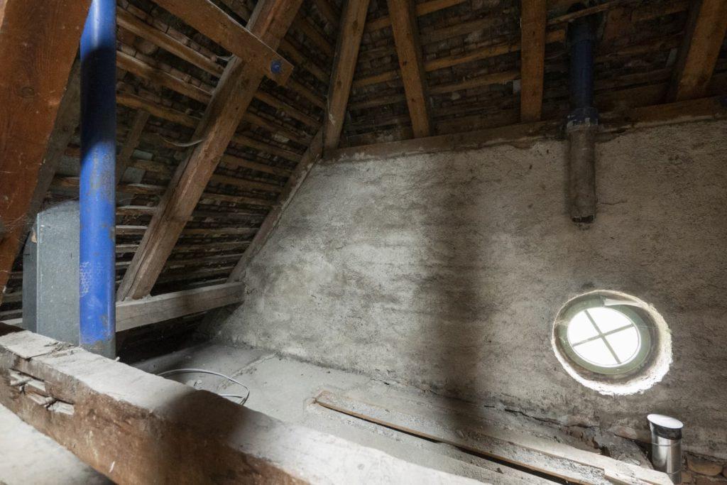 tusch-hall-wc dach-1-vorher